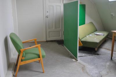 037 Green